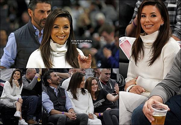 • 29 Novembre 2o19 •  - San Antonio, Etats-Unis. 🏀 Eva & Pepe sont allés voir un « Match de Basket » opposant Les Spurs aux Clippers. Tenue: Pull Victoria Beckham à 415¤ & Baskets Nike.