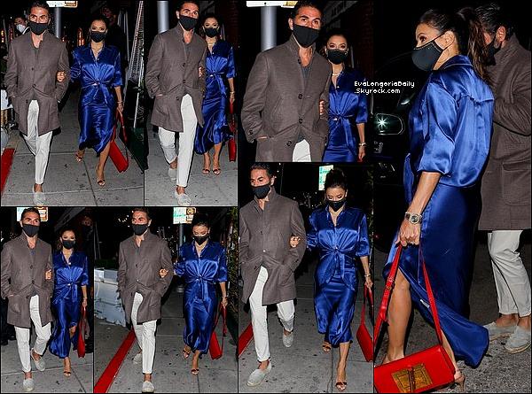 • 3o Mars 2o21 •  - Beverly Hills, Etats-Unis. 📷 Eva & Pepe sont allés dîner à « Mr Chow Restaurant ». Tenue: Sac Tom Ford à 356o¤ & Escarpins Gianvito Rossi à 67o¤.