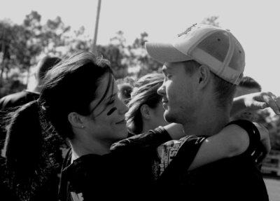 """""""On a tous besoin de sentir que quelque fois la vie est merveilleuse .. et qu' avec la bonne personne elle peut l'être pour toujours . """""""