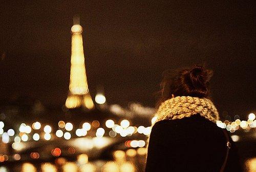 """""""J'ignore si la vie est plus grande que la mort mais l'amour l'est plus que les deux."""""""