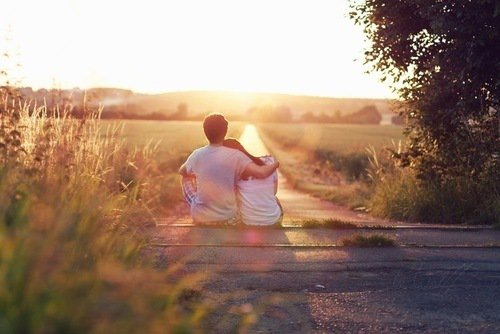 """"""" Il y a des gens dont le regard vous améliore. C'est très rare, mais quand on les rencontre, il ne faut pas les laisser passer."""""""