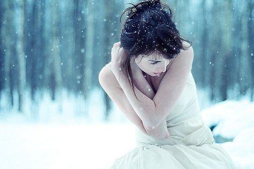 """""""Passer sa vie à regretter un amour perdu prouve que l'on a aimé vraiment et que notre existence ne fut pas totalement vaine."""""""