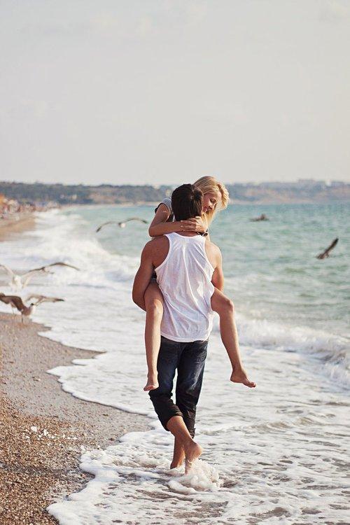 « La meilleure façon d'aimer quelqu'un, s'est de ne jamais oublier qu'on pourrait le perdre à tout moment. »