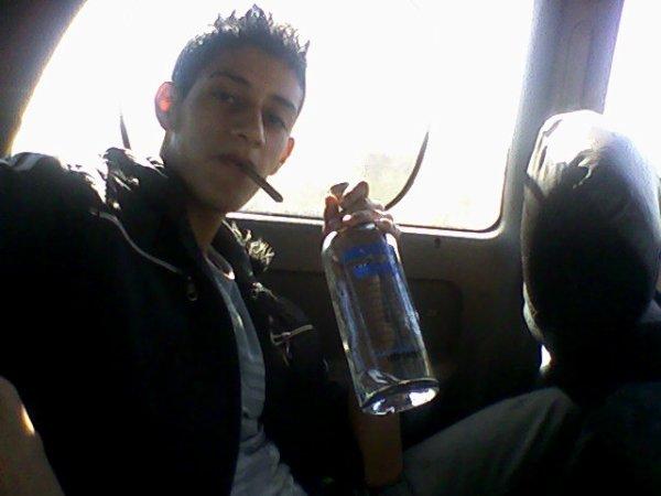 Moi et un botielle de vodka 50
