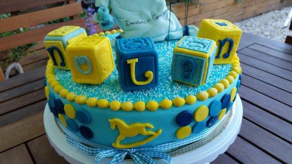 Gâteau recouvert de pâte à sucre pour l'anniversaire de Nolan