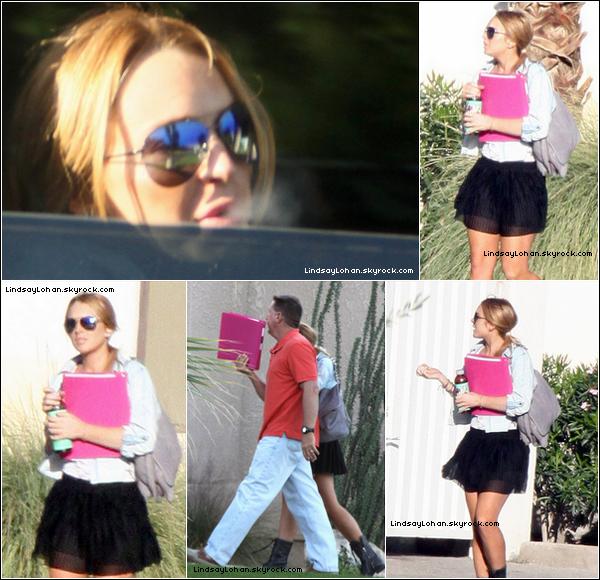 88 08/10/10 - Lindsay Lohan , sortant de son centre de désintoxication avec son père 88