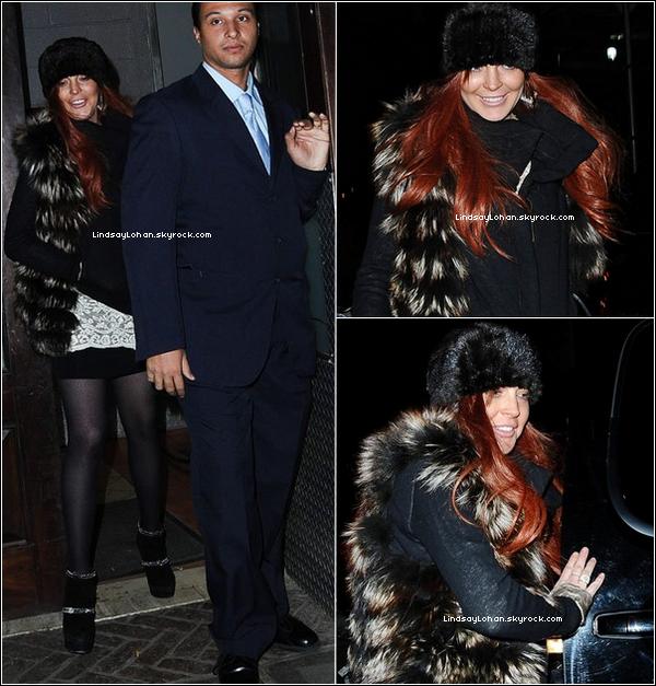 88 05/11/12 - Lindsay quittait l'hôtel où elle séjourne depuis bientôt 2 mois, à NYC. 88