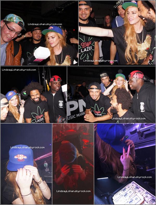 88 30/12/13 - Lindsay a passé la soirée dans un club de New York en compagnie du DJ Major Lazer. 88