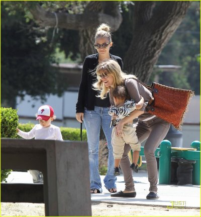 Ellen Pompeo and her daughter: Play with the kids of Nicole Richie