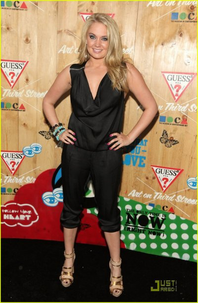 """Tiffany Thornton Finds """" Arts In The Street"""""""