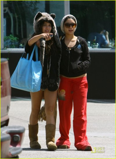 Vanessa & Stella Hudgens at Studio Cafe
