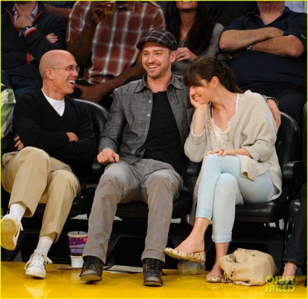 Justin Timberlake & Jessica Biel: Lakers Lovebirds!