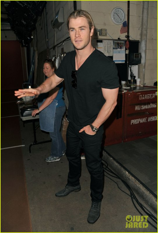 Chris Hemsworth: 'Live! with Kelly' Taping