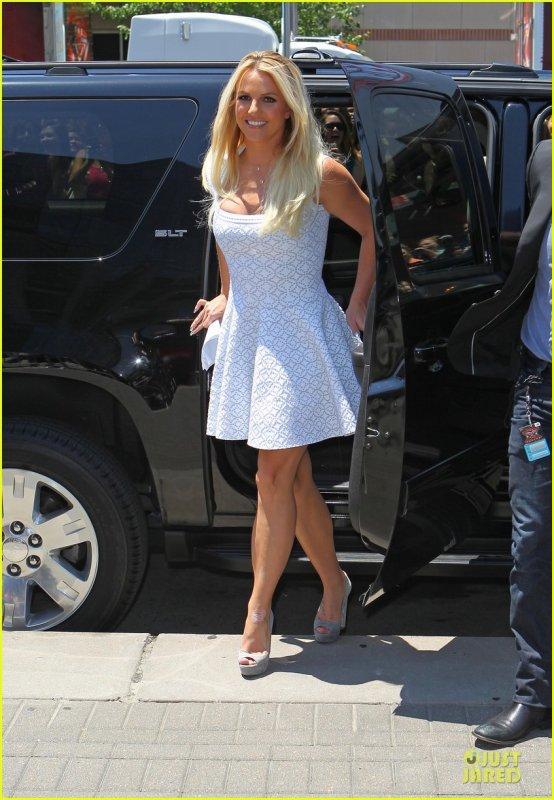 Britney Spears Misses Simon Cowell in Kansas City