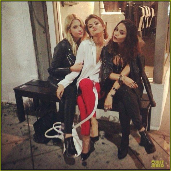 Vanessa Hudgens & Selena Gomez : 'Spring Breakers' Reunion!