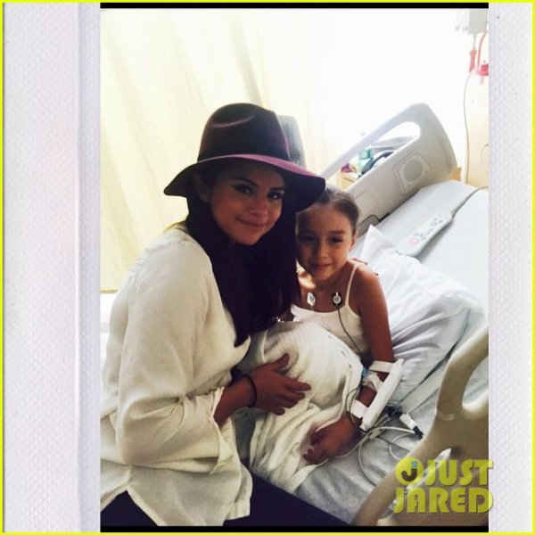 Selena Gomez Makes a Surprise Visit to Children's Hospital Los Angeles