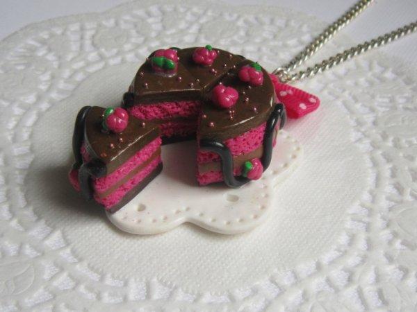 Collier gâteau framboise/chocolat