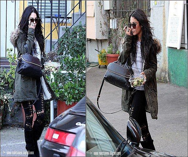 31/12/10 - Vanessa à été aperçu faisant du shopping chez Foley + Corinna et Madison à Beverly Hills & ensuite dans la boutique Artisan Cheese Gallery dans Studio City.