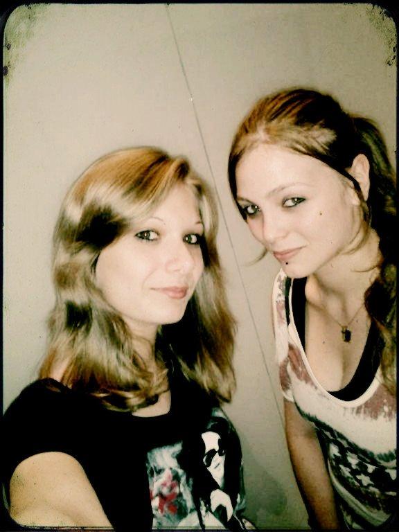 Les amis sont les anges qui nous soulèvent quand nos ailes n'arrivent plus à se rappeler comment voler.