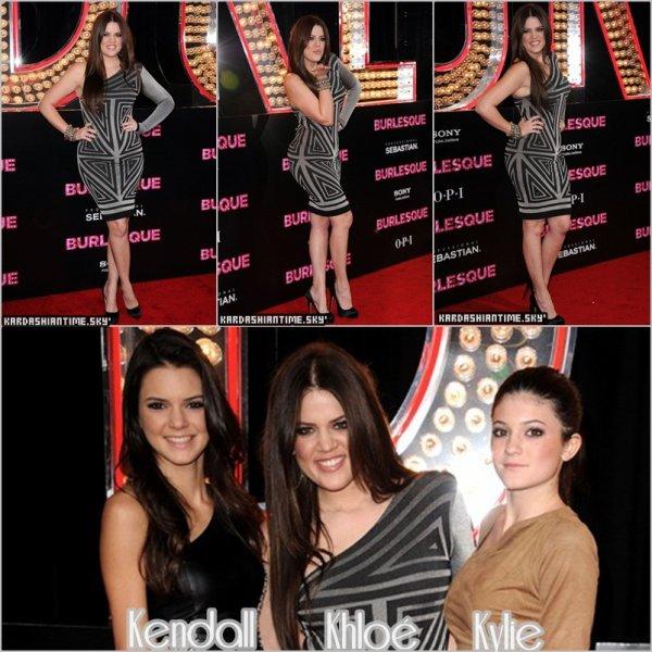 15/11 - Khloé et ses demi soeurs Kendall et Kylie Jenner à l'avant premiere du film de Cher & de Christina Aguilera .