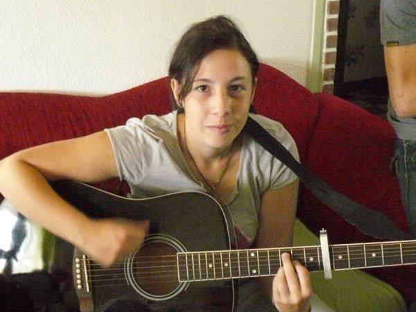 moi en mode guitare