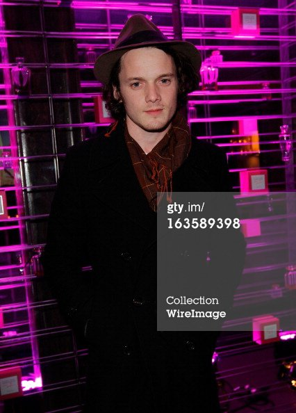 Anton Yelchin assiste au Victoria secret SWIM 2013