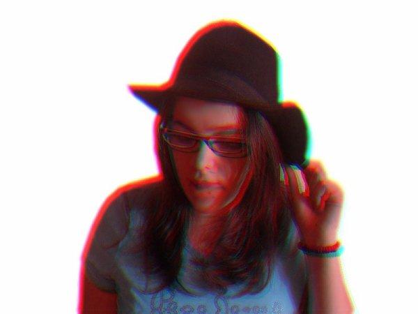 align=center] Autoportrait 2010 Sony alpha 230  10.2 Pixel