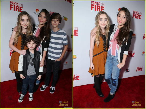 Sabrina et le cast de Girl Meets World à la première de Pants On Fire le 4 novembre