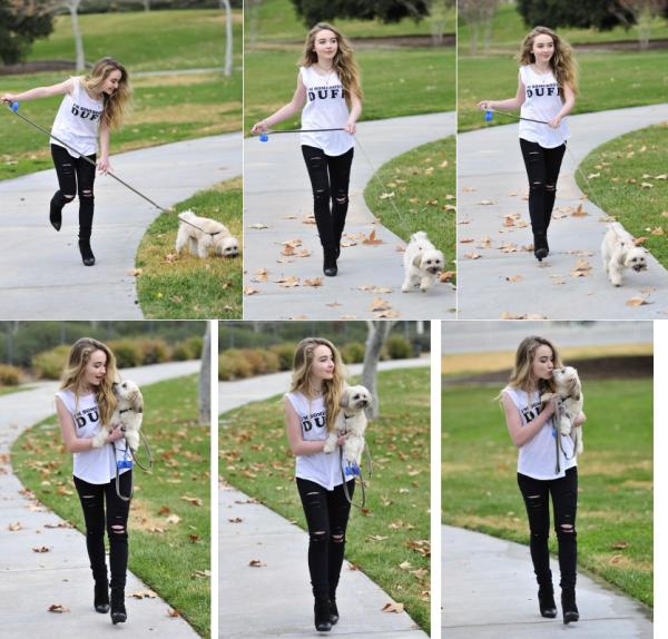 """Sabrina a été aperçu le 15 janvier promenant son chien. On peut remarquer son débardeur du film """"The DUFF"""""""