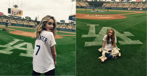 Sabrina a chanté l'hymne national le 24 mai lors d'un match de baseball