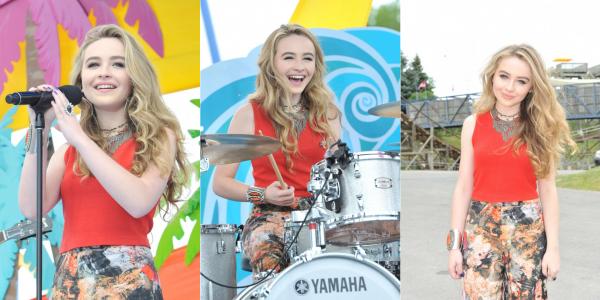 Sabrina était au YTV Summer Beach Bash le 8 août