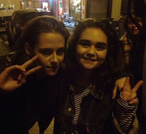 - Le 29 & 30 Octobre: Kristen étant à Paris pour tourner un film des fans on eu la chance de la croisée! -