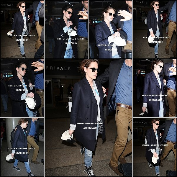 -- 20 Janvier: Notre chère Kristen à était vu revenant au bercail à Los Angeles à l'aéroport de LAX --