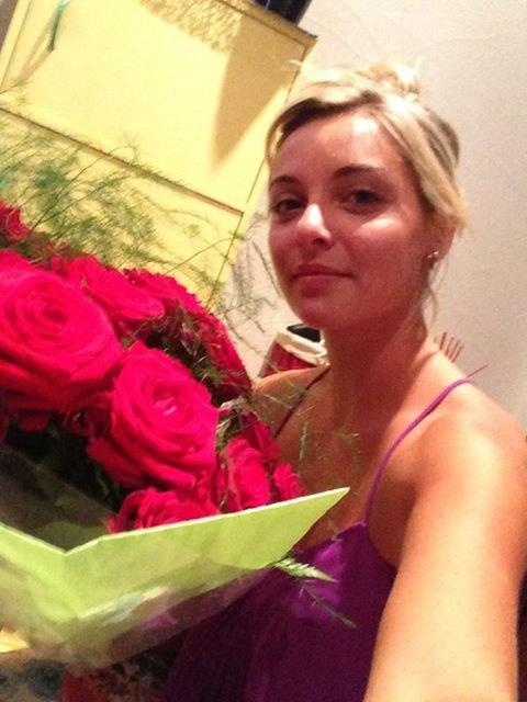 Priscilla vient d'ajouter une photo pour ses 24 ans aujourd'hui, encore joyeux anniversaire à elle (: