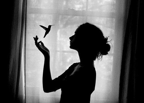 Déjà du temps de mes amours vagues j'étais sourd au fracas de leurs écumes. Et comme l'amour m'a toujours fait des blagues, j'dois être aveugle, je présume.