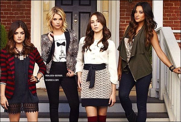 • • Re-Découvre les photo promotionnelle pour la saison 4 de « Pretty Little Liars ».