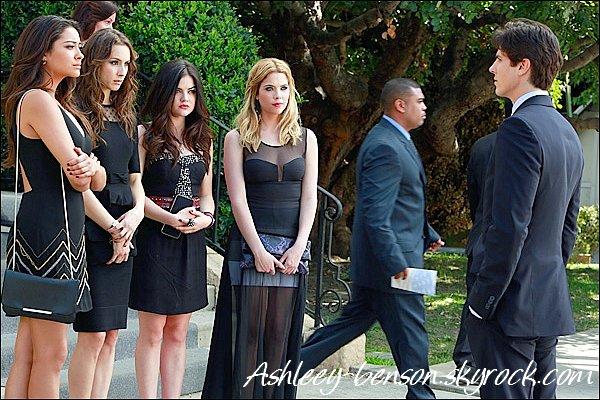 04/05/13 : Ashley a été photographiée quittant le Chateau Marmont accompagnée d'une amie à elle.  Son amie décrit Ashley comme une « incroyable, talentueuse et intelligente jeune femme qui a un c½ur en or »