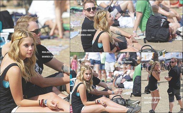 11/05/2013 : Ashley a été photographiée passant du temps avec son agent à Napa, en Californie où ils profitent du festival de musique BottleRock