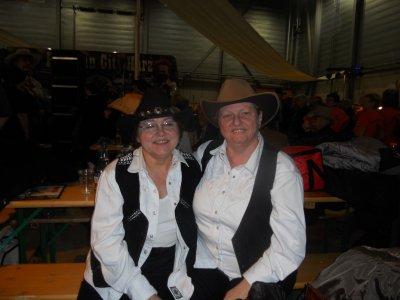 Deux grandes amies Edith et Christiane, c'est ça aussi la country !