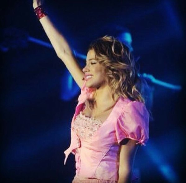 Nouvelles photo de Tini ! Au concert en Argentine a Luna park  ! ♥♥