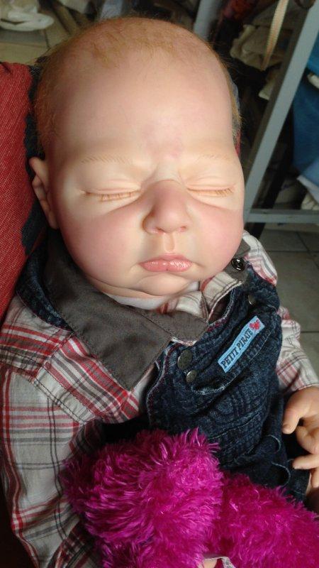 Maël  adorable bébé reborn de 3,150kg né le 16 mai 2013 a été adopté