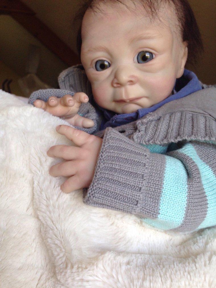 Noé bébé Reborn de 2,000 kg né le 22/04/2914 mesure 50 cm adopté par Claudine.