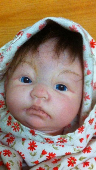 nurserie du bonheur bébé reborn reborning ils sont peints à la peinture acrylique.Les bébés sont à adopter !!