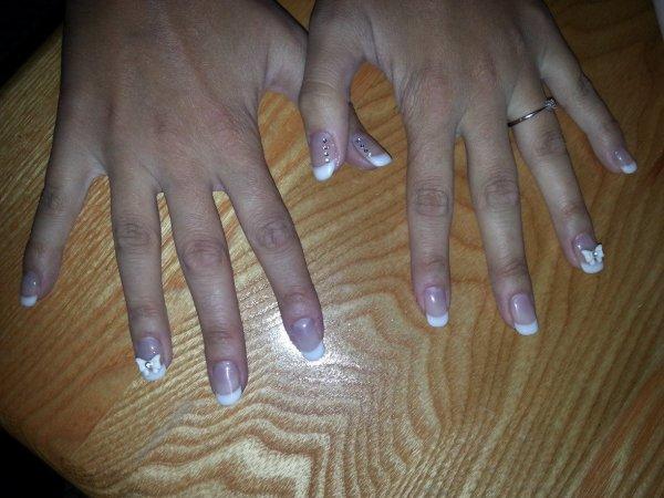 Pose gel UV + french + déco sur ongles naturels