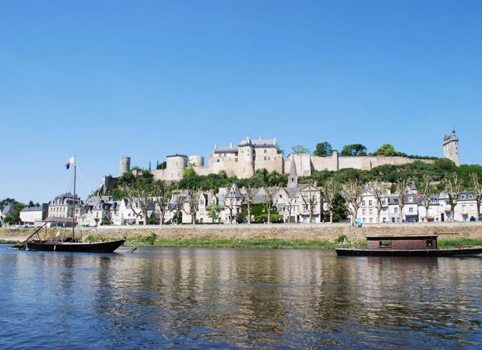 CHINON ville medieval