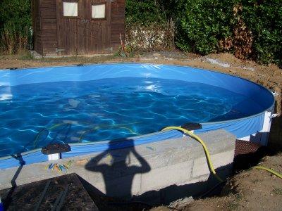Remplissage et liner fin enterrer piscine hors sol for Piscine a enterrer