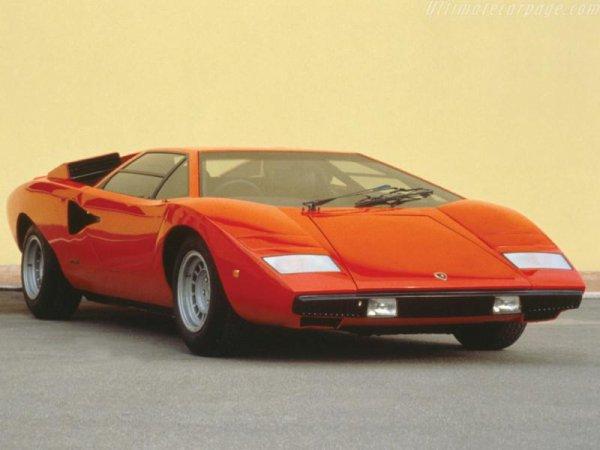Lamborghini Countach 25th de 1988 :   Moteur : V12 de 425 ch Vitesse maxi : 295 km/h
