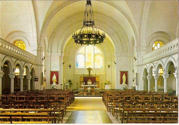 01 - Intérieur de l'église St Amé de Liévin.