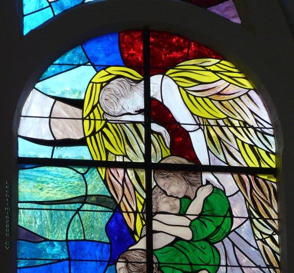 08 - Détail de la composition du nouveau vitrail du choeur de l'église St Amé .