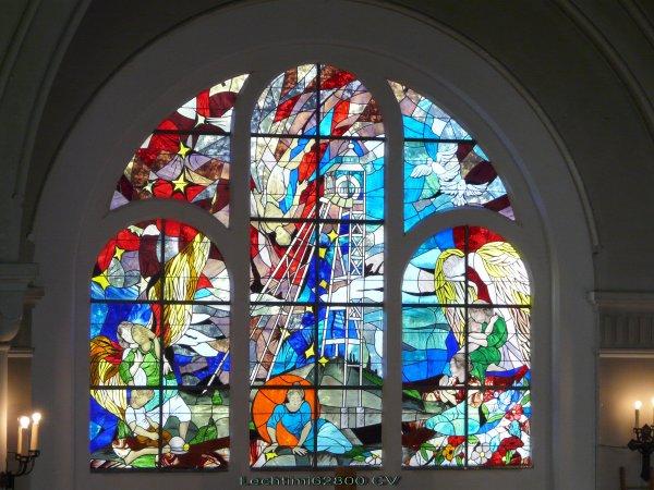 19 - Vitrail complet du choeur de l'église St Amé à Liévin.